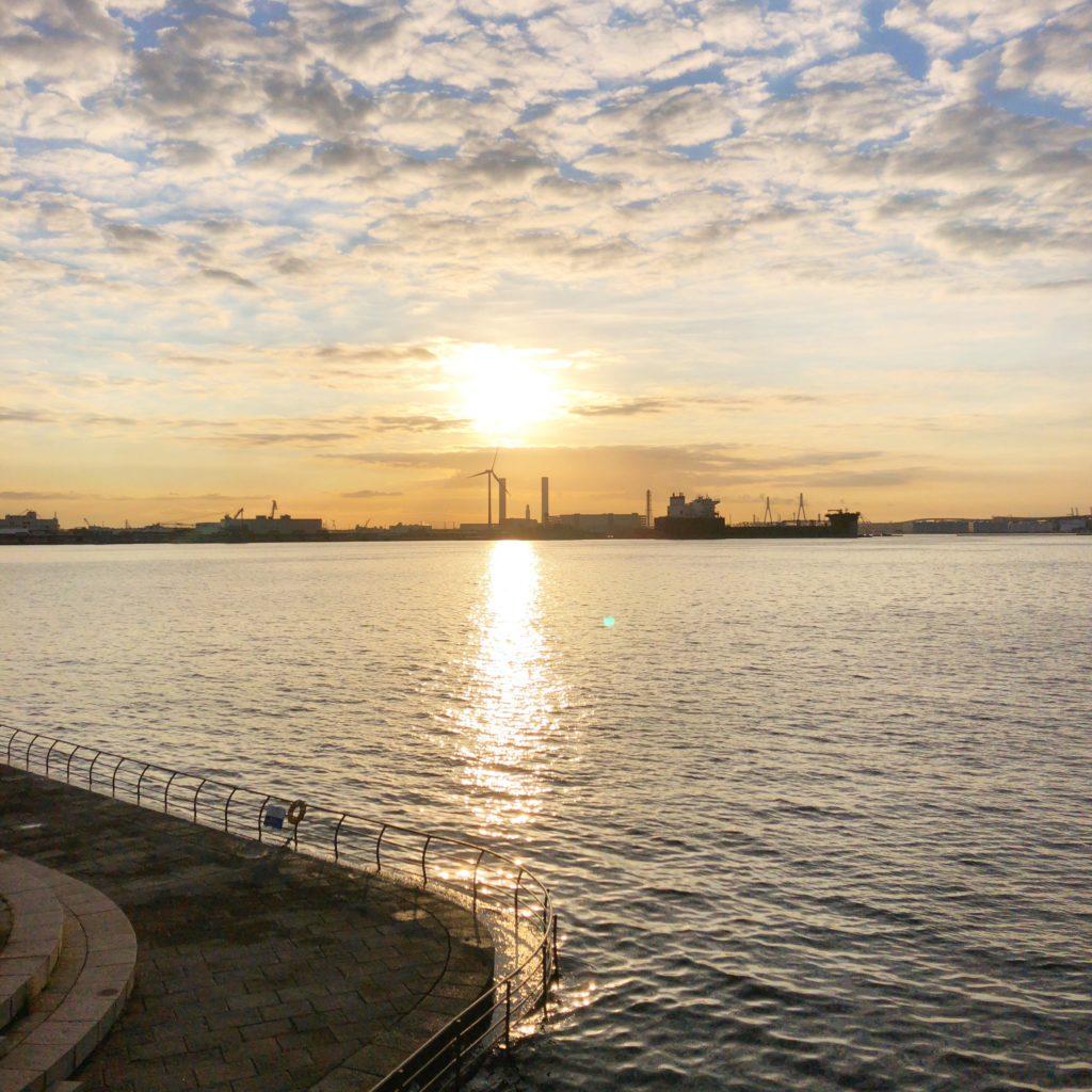 臨港パークからの朝日